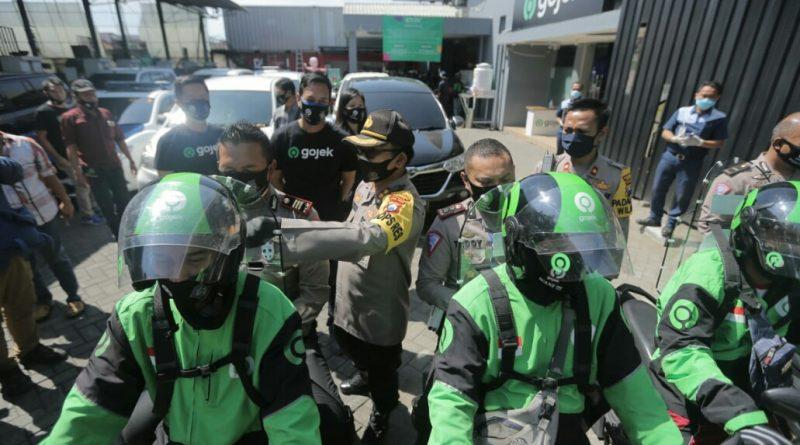 Kasatlantas Polrestabes Surabaya Ingatkan Protokoler Kesehatan Para Pengemudi Ojek Daring