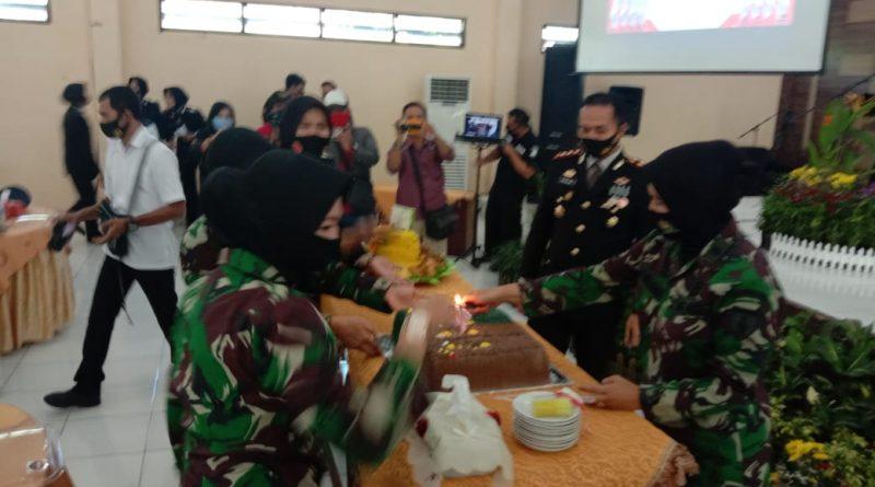 Di Hari Bhayangkara Kapolres Magetan Mendapat Kejutan Dari Jajaran TNI