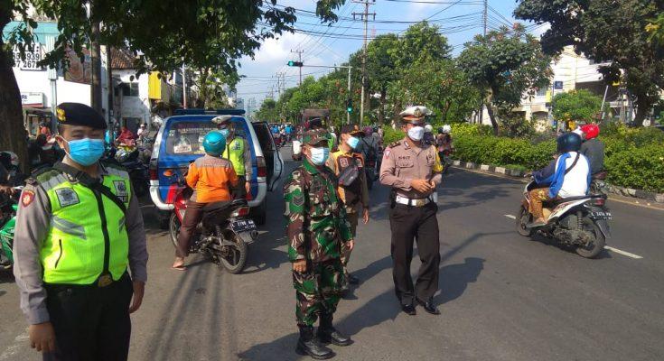 Polsek Tegalsari Adakan Giat Operasi Yustisi Masker Bersama Tiga Pilar